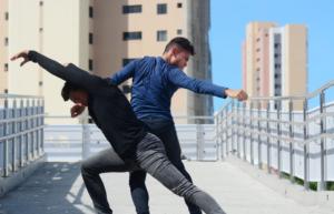 Foto dos Performers: João Pedro e Júnior Mendes, Corpo Concreto.